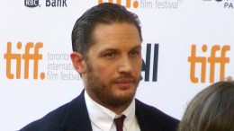 Tom Hardy Kill Reporter With Stare