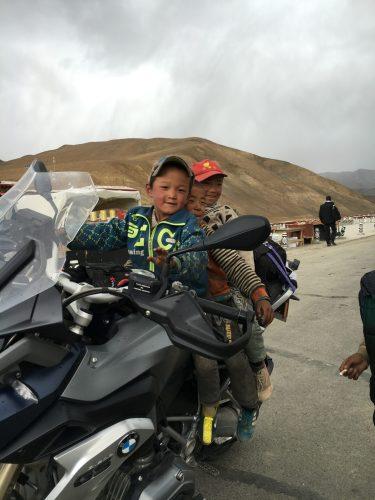 3 Jungs auf BWM GS Tibet