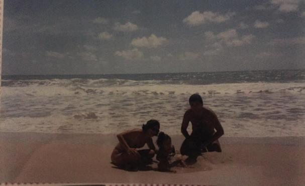 Praia de Búzios com meus pais em 1996
