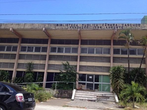 Biblioteca Câmara Cascudo passa por uma reforma