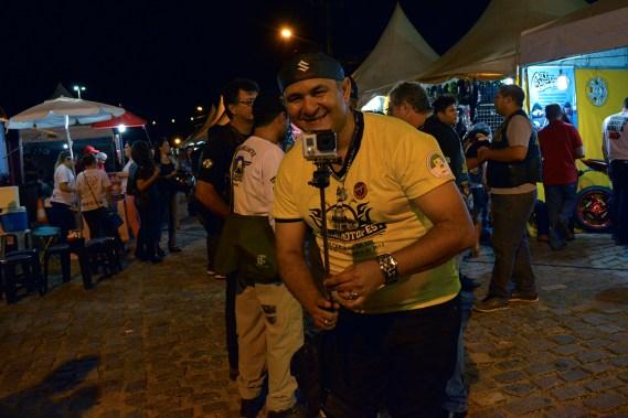 Ezequiel Andrade com sua câmera registrando os melhores momentos