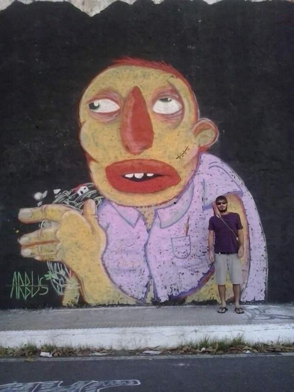 Arbus e sua arte na Avenida do Contorno (Foto: Cedida)