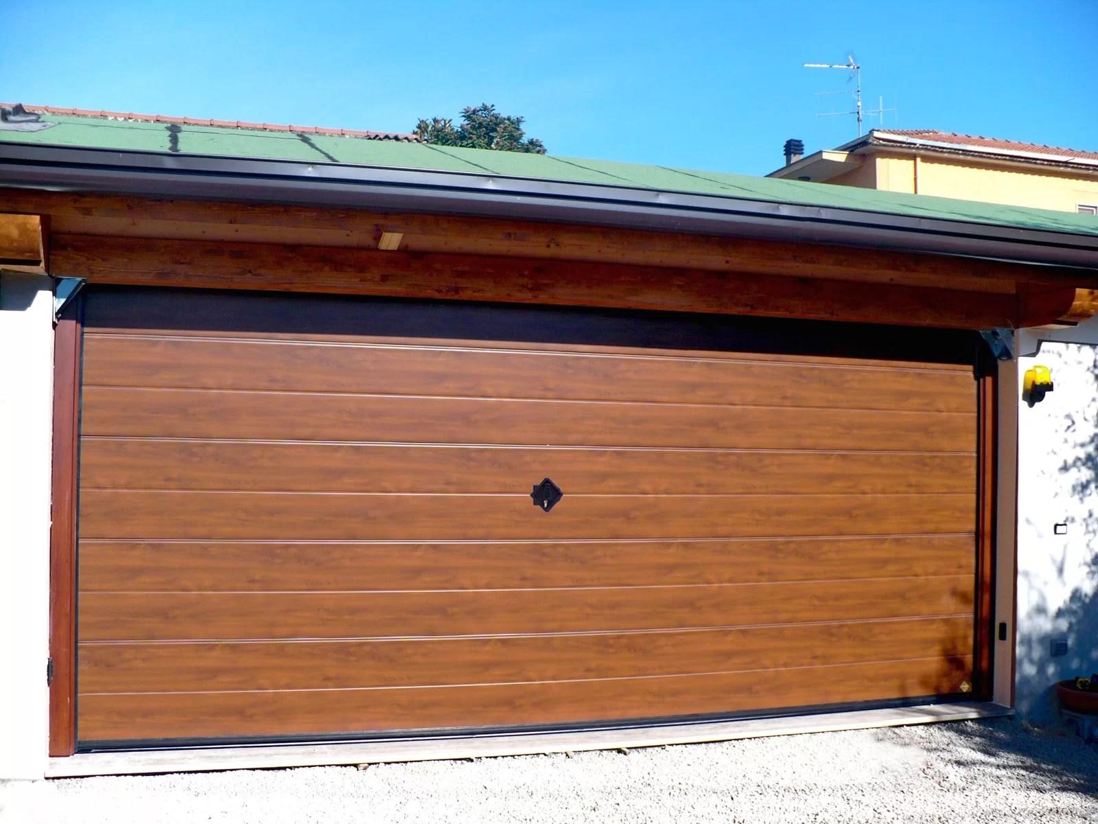Portone basculante da garage BASCULINO - Simil legno quercia dorata