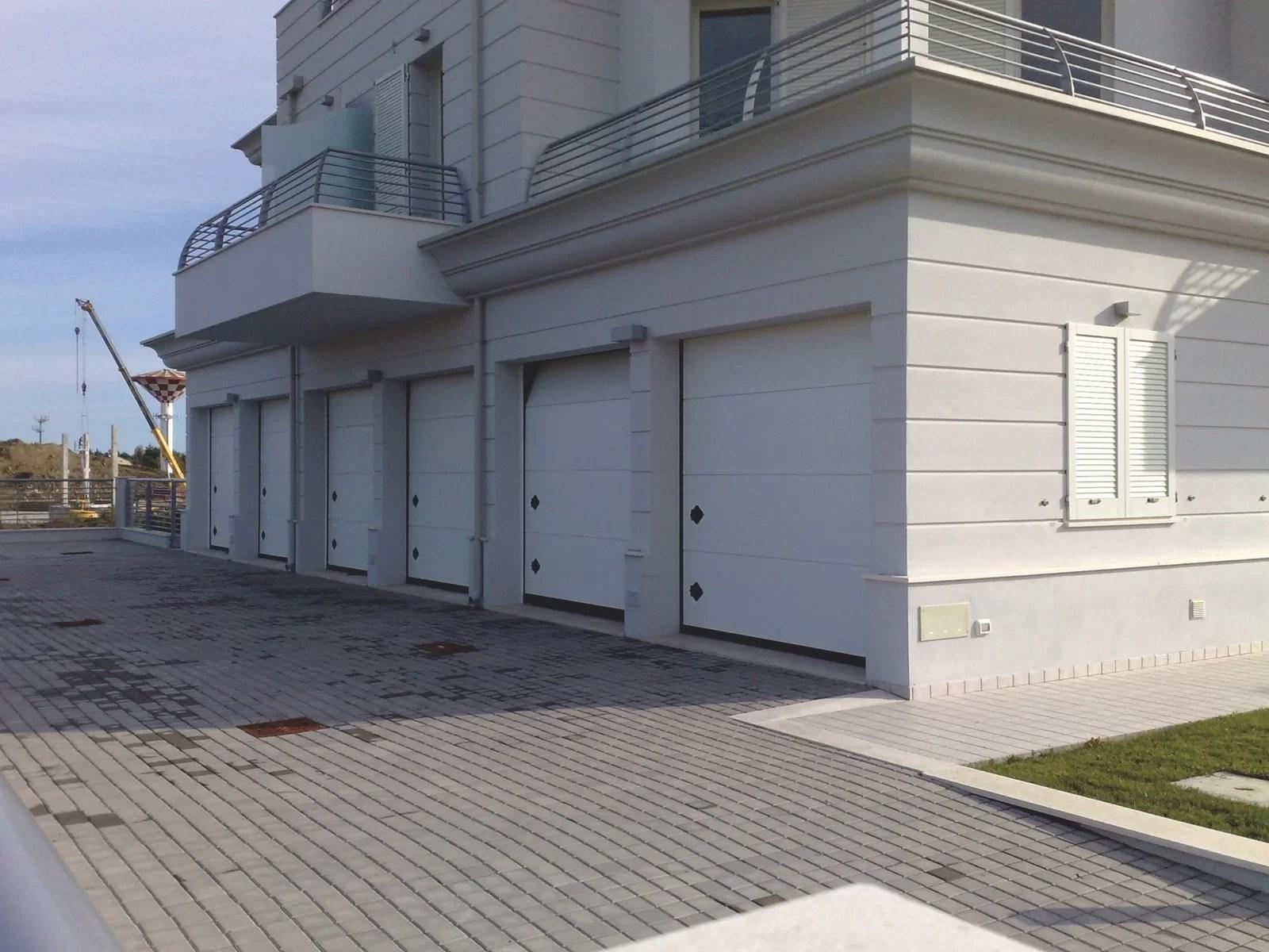 Portone sezionale da garage ORUS - Alu bianco C81