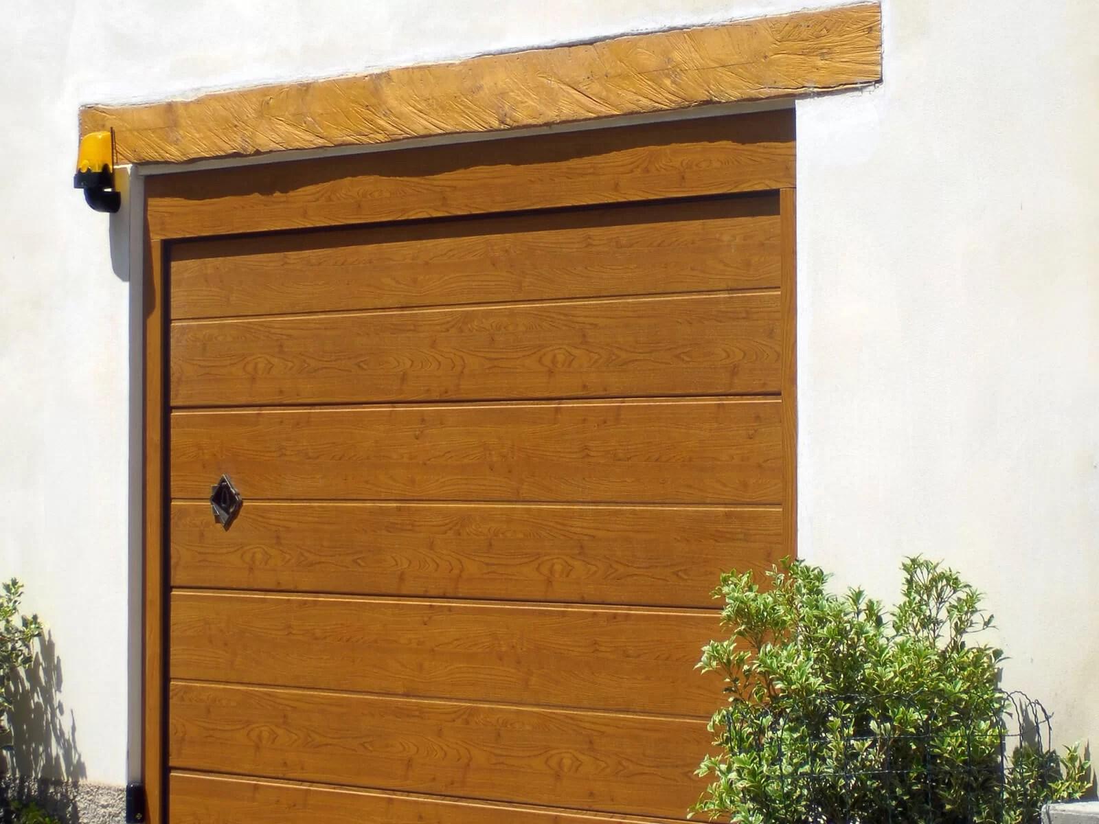 Portone sezionale da garage CUPIS - Simil legno quercia dorata MyBOX