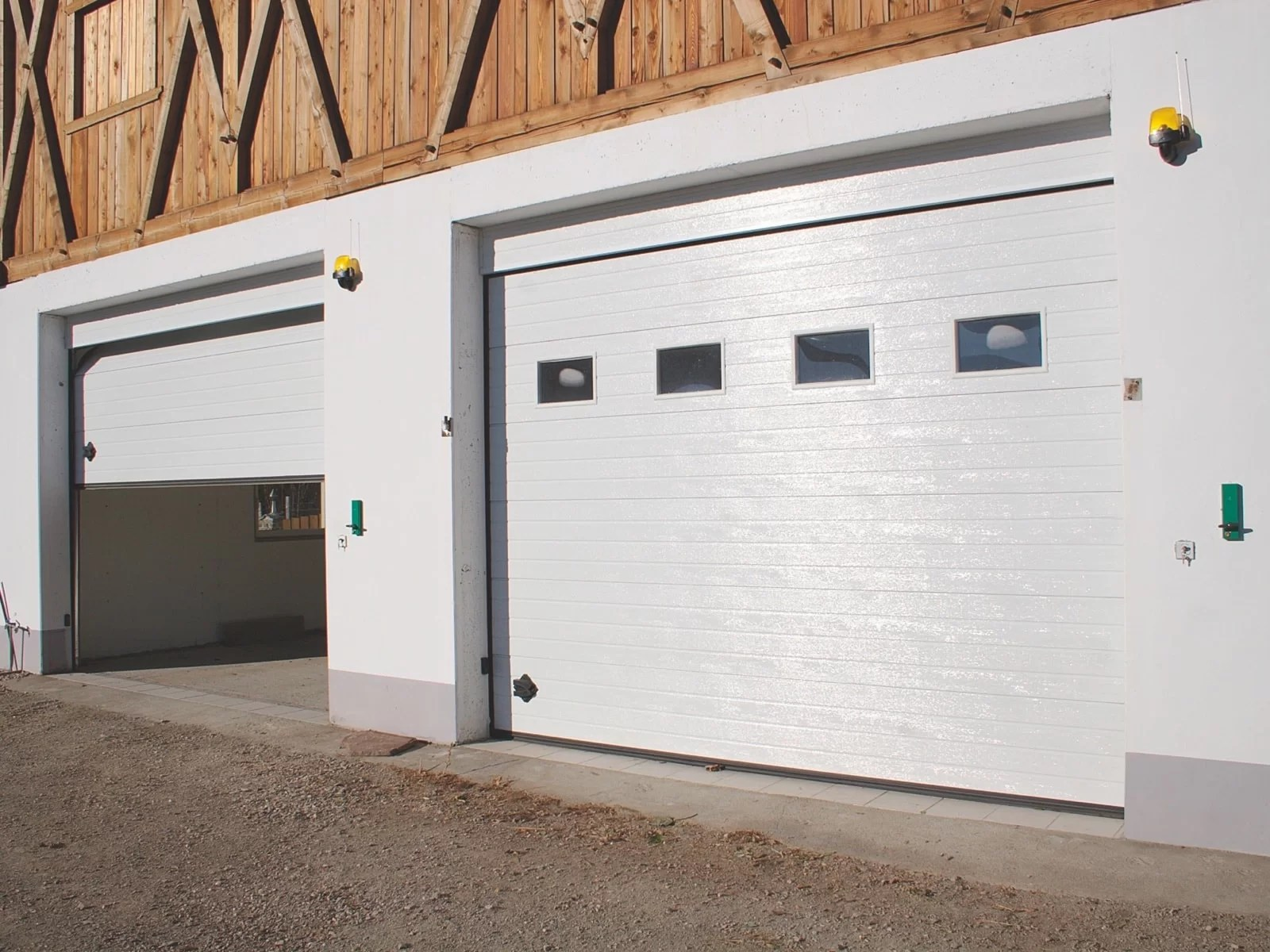 Portone sezionale da garage SIRIO - Woodgrain bianco C81