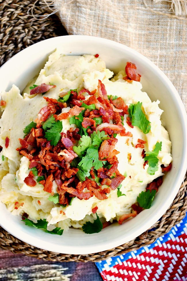 Move over jalapeno poppers because it's time for mashed potatoes...Jalapeno, Bacon, and Cheddar Mashed Potatoes to be exact!