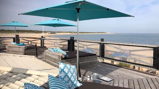 Beachclub Perry's Brouwersdam Loungedeck Zeeland bregblogt.nl