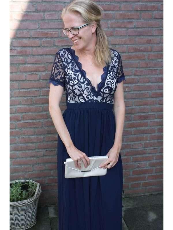 Donkerblauwe Jurk Bruiloft.What To Wear Naar Een Boho Chic Bruiloft Breg Blogt