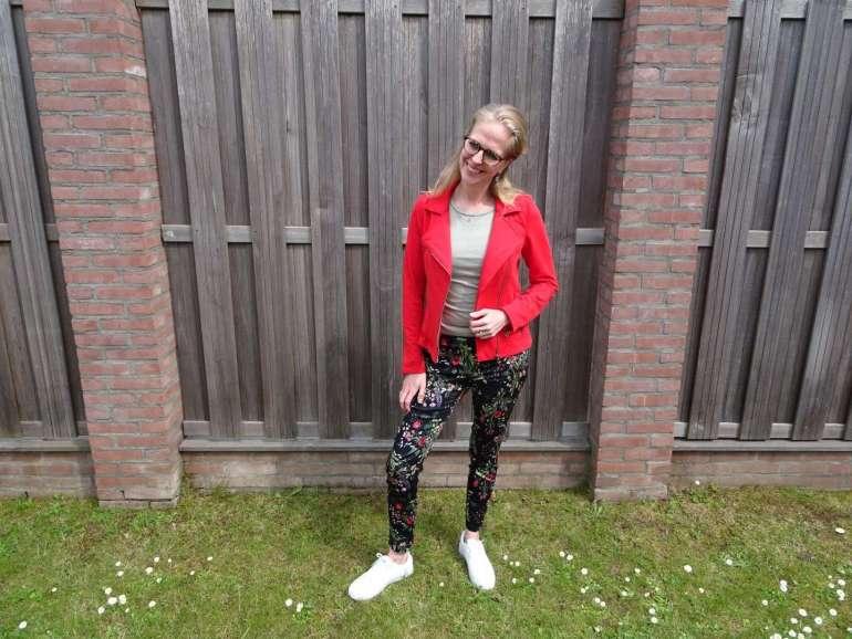 rood jasje bregblogt.nl bloemenbroek