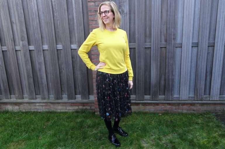 gele sweater bloemenrok lakleren brogues bregblogt.nl