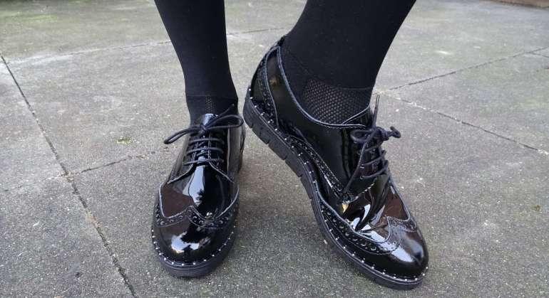 https://www.bregblogt.nl/wp-content/uploads/2018/02/zwarte-lakleren-brogues-sacha-shoes-bregblogt.nl_.jpg