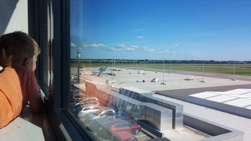 Vliegtuigspotten Zestienhoven bregblogt.nl