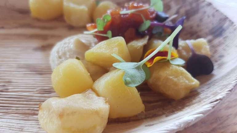 krieltjes met tomatenchutney en humus celavita bregblogt.nl