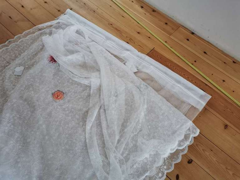 DIY photobooth achtergrond zelf maken bruiloft budget decoratie bregblogt.nl