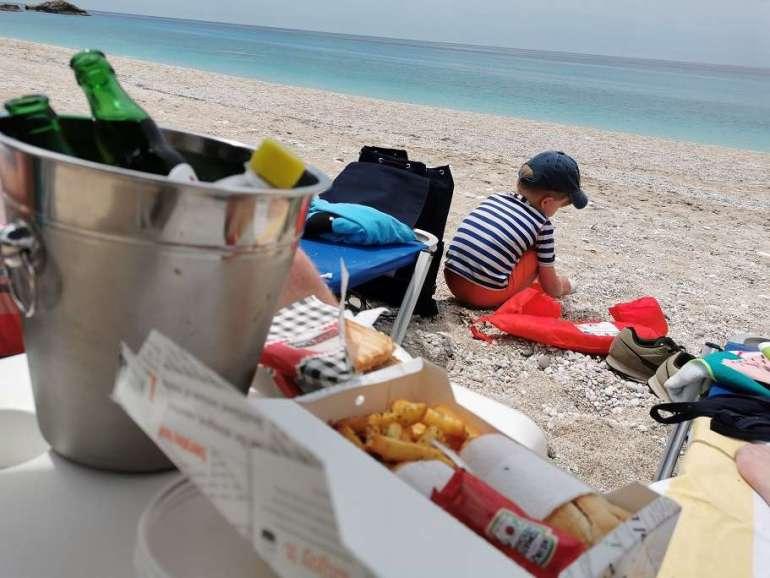 Kathisma beach lunch Libre café Lefkas bregblogt.nl