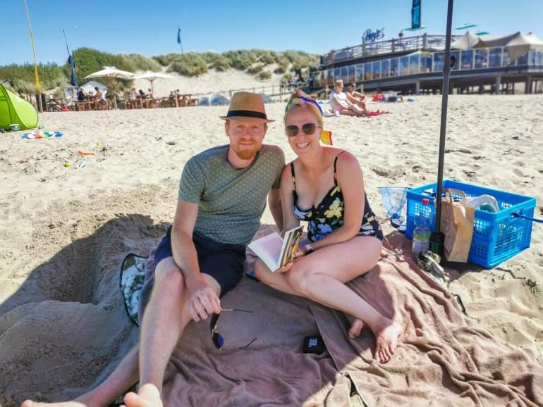 Samen op het strand bregblogt.nl