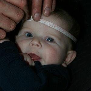 Hoofdomtrek baby - maat muts breien
