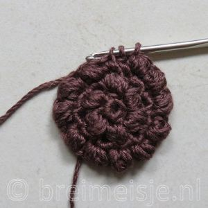 Puff stitch steek haken stap 2