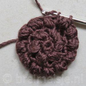 Puff stitch steek haken stap 9