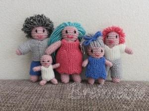 Popjes breien patroon familie Ribbel