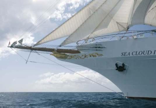 Sea Cloud II ist mit Jörg Baldin in den Azoren
