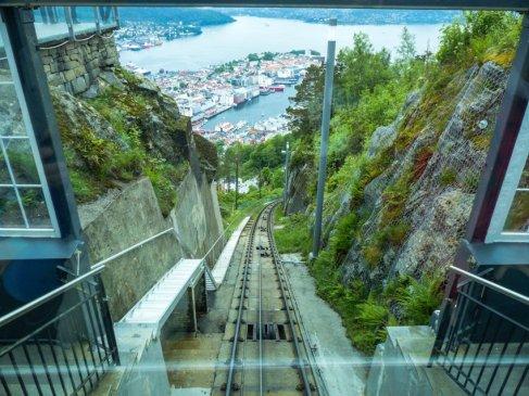 Kreuzfahrt mit der Costa Magica - Liane Ehlers - 22 Bergen