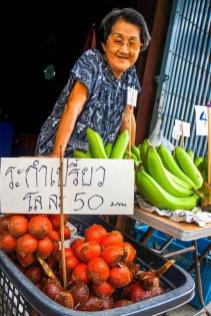 Urlaub in Thailand - Sukhapiban-Road 03, Foto Martin Cyris