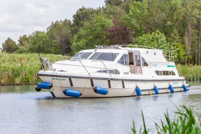 e600-boat