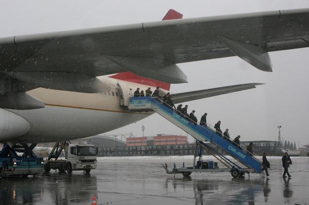 Das Flugzeug der Atlas Jet trug noch die Bemalung seines vorherigen Besitzers.