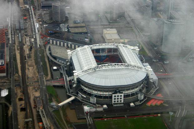 Auf dem Flug von Belfast nach Amsterdam gab es das Stadion in Amsterdam von oben zu sehen.