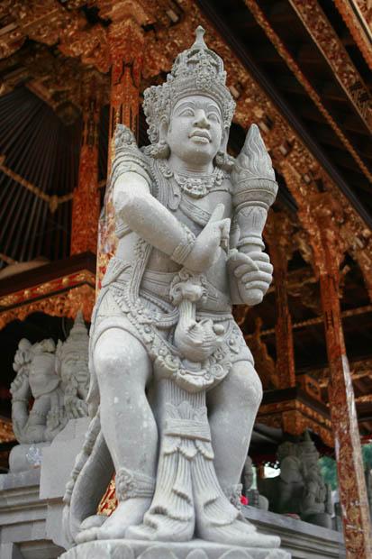 Schon allein die Figuren im Tempel beeindruckten.