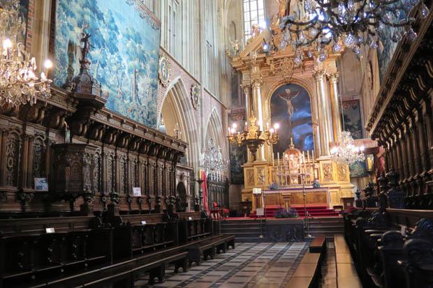 Prunkvoll präsentiert sich die Kathedrale auf dem Wawel