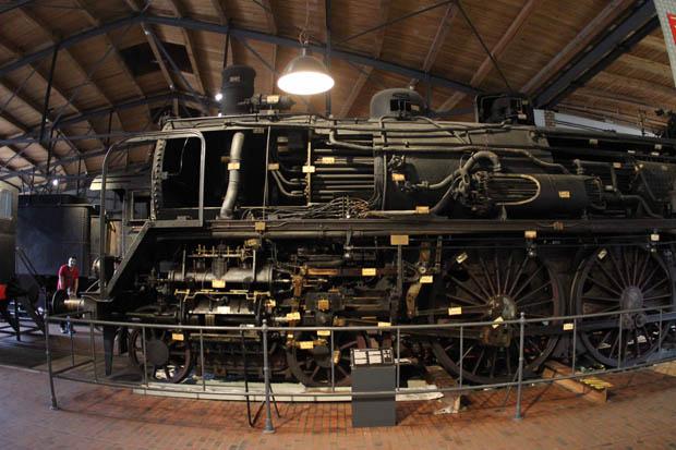 Die 17 008 ist die ehemals preußische S10 Breslau 1008 und an der Seite aufgeschnitten