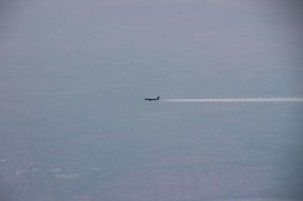 Gelegentlich kamen uns Flugzeuge entgegen