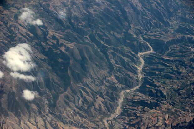 Eine von Canyons durchzogene Landschaft