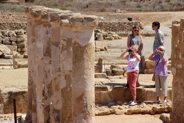 Wo die Christianisierung des Mittelmeerraumes begann, schlendern heute Touristen