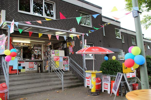 Bunt geschmückt präsentierte sich die Trinkhalle Dieter Tölle
