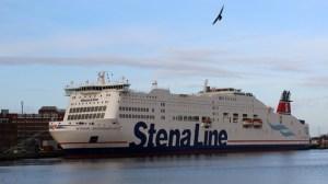 Die Stena Scandinavica der Stena Line im Hafen von Kiel