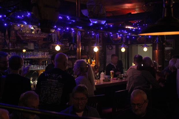 In Krohns Eck in Bremerhaven wird auch Seemansgarn gesponnen