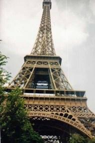 Eine Nacht habe ich direkt unter dem Eiffelturm in Paris verbracht