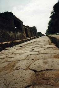 In Pompeji lässt es sich auf den Spuren der Römer wandeln
