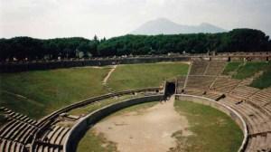 Pompeji mit dem Vesuv im Hintergrund