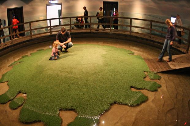 So sieht die Nachbildung der Hallig Langeneß im Klimahaus Bremerhaven aus