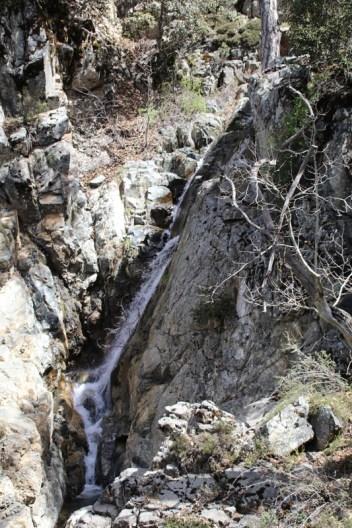 Kurz vor dem Ende der Tour ist ein zweiter Wasserfall zu sehen