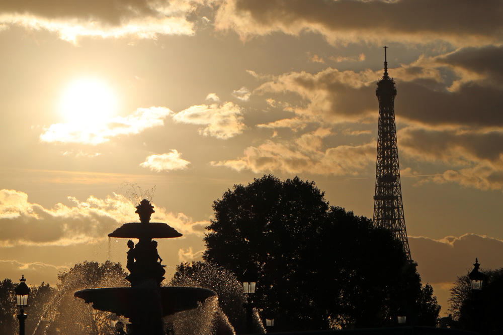Sonnenuntergang am Place de la Concorde in Paris