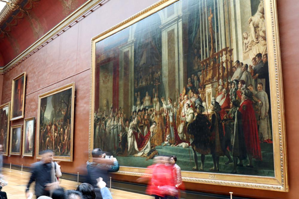 Die Kaiserkrönung Napoleons von Jaques Louis David im Louvre Museum in Paris