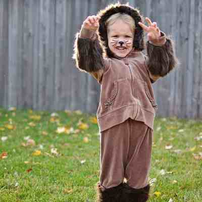 "DIY Frugal Furry ""Animal"" Halloween Costume for Kids"