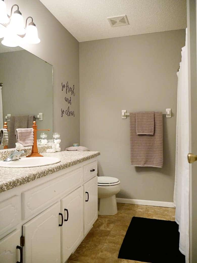 bathroom-diy-wall-art-tutorial-2