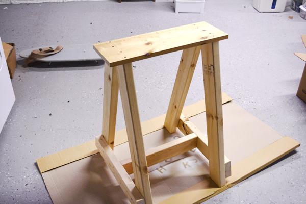 Nice DIY Sawhorse Desk Design